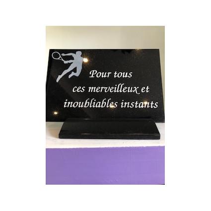 Plaque granit sur socle thème tennis Plaques Funéraires Personnalisées en Marbre ou Granit - Plaque tombale pas cher